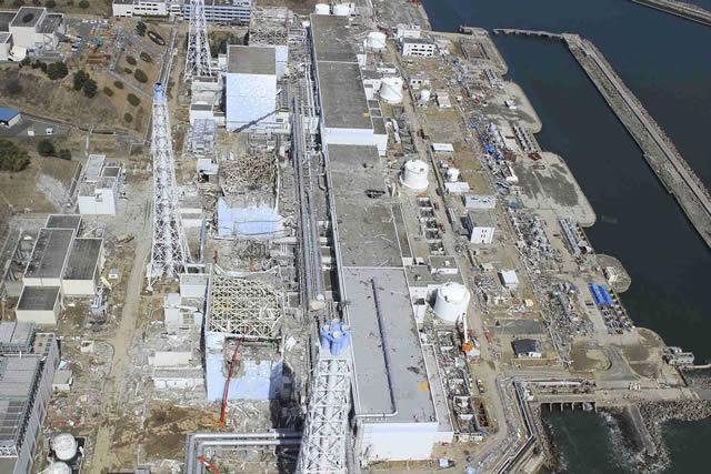 Reprodução - Fukushima destruída após tsunami em 2011
