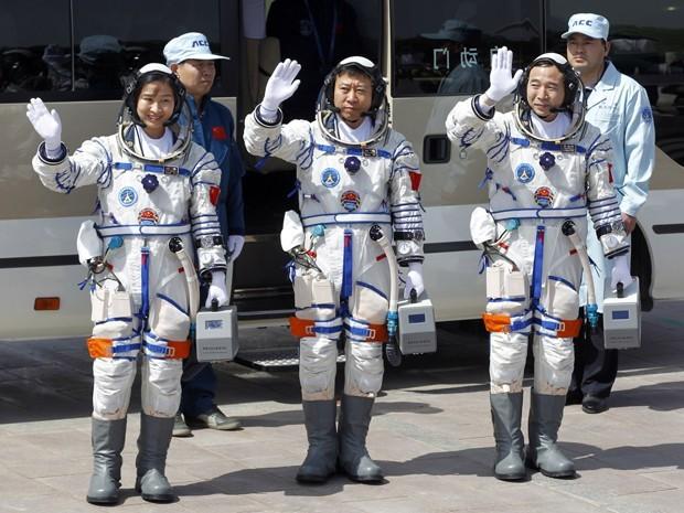 Reprodução: globo.com (Ng Han Guan/AP) - Liu Yang foi a primeira astronauta chinesa a ir para o espaço