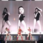 Psy homenageando Beyoncé