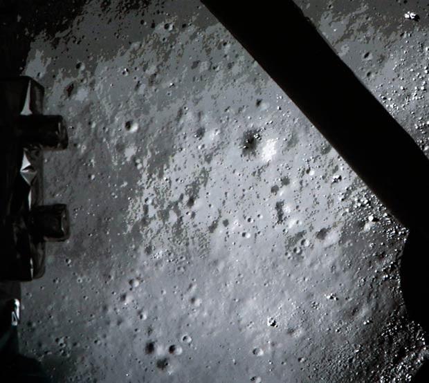 Reprodução: globo.com (AFP) - Imagens da Lua feita pela sonda Chang´e 3